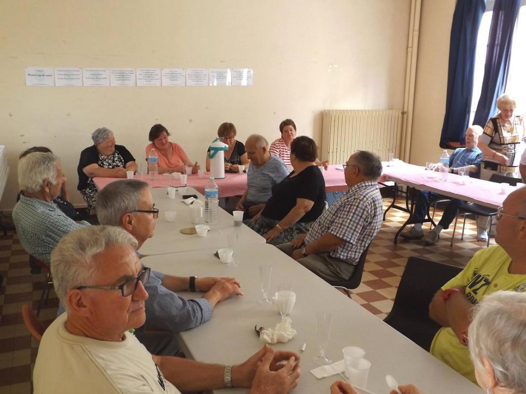 Repas et réunion mensuelle aout 2017